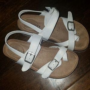 Little girls 11 Steve Madden sandal white